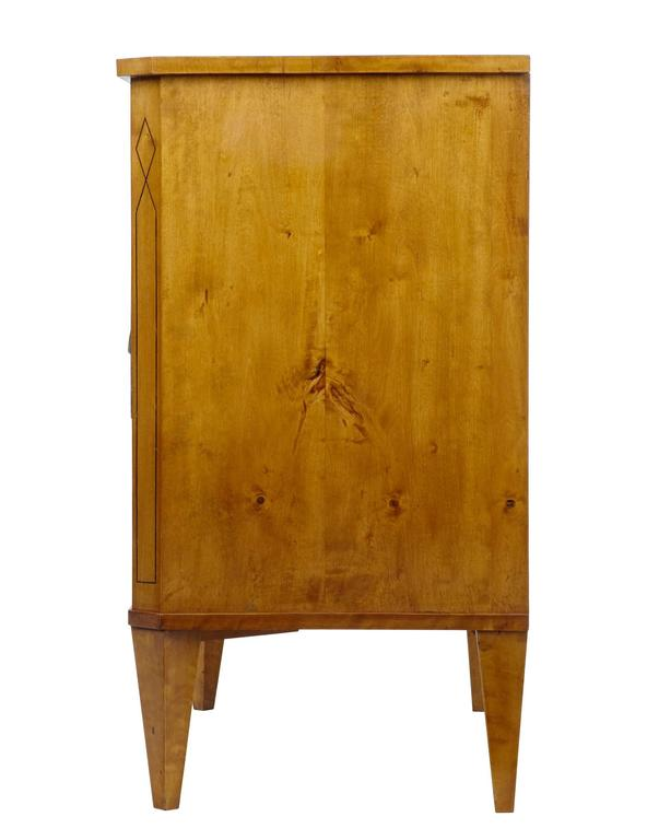 Fine Quality 19th Century Birch Chest of Drawers Commode 3