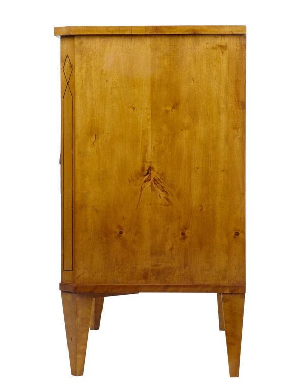 Hohe Qualität, 19. Jahrhundert, Birken-Kommode mit Schubladen 3