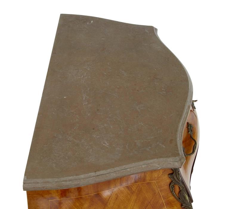 Französische Kommode Nussbaum Marmorplatte 20. Jahrhundert 4