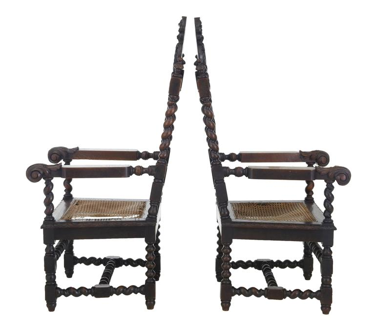 Paar aus Eichenholz geschnitzte barocke Thron-Stühle, 19. Jahrhundert 2