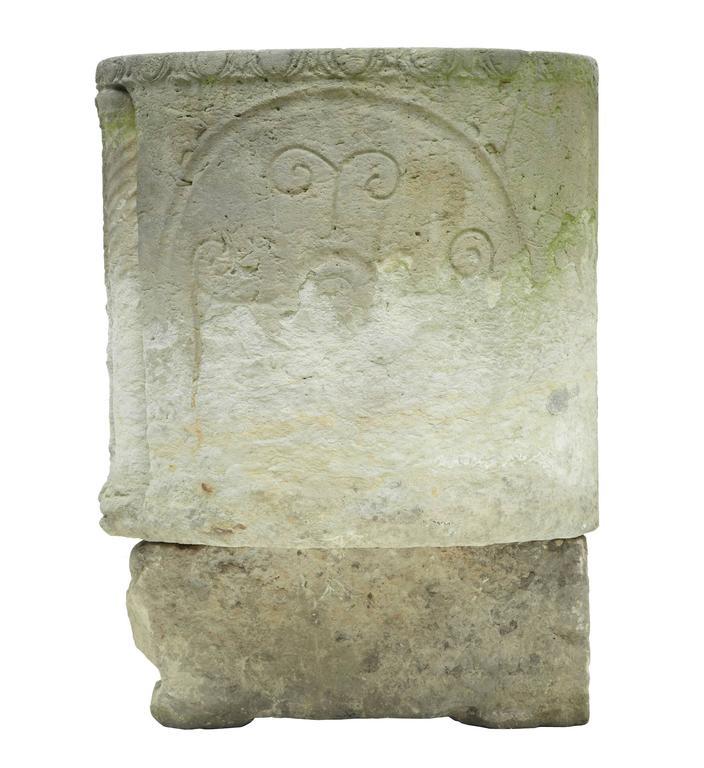 Unique Anglo Roman Limestone Sarcophagus In Fair Condition For Sale In Debenham, Suffolk