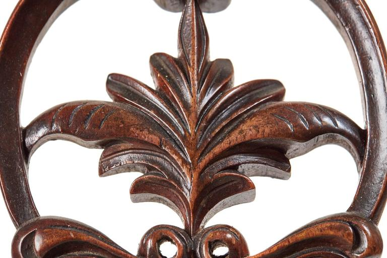 Set of Six 19th Century Victorian Walnut Dining Chairs In Good Condition In Debenham, Suffolk