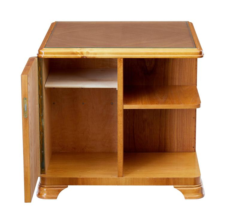 Later Art Deco Swedish Elm Occasional Table Cabinet In Good Condition For Sale In Debenham, Suffolk