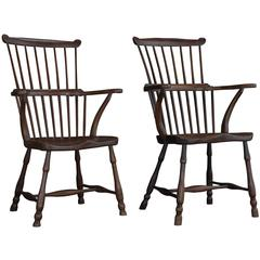 Pair of Elm Comb-Back Windsor Armchairs, circa 1780