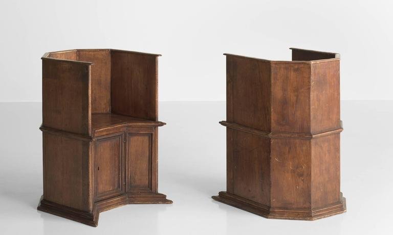 Italian Pair of Gothic Oak Cathedral Chairs, Italy, circa 1800 For Sale