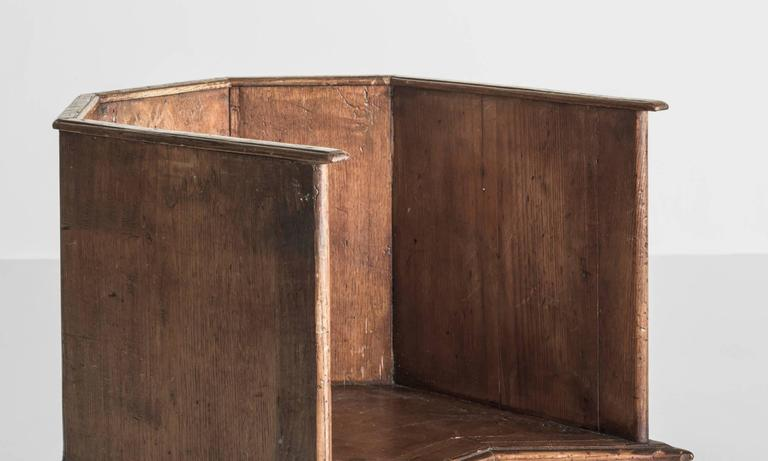 Early 19th Century Pair of Gothic Oak Cathedral Chairs, Italy, circa 1800 For Sale