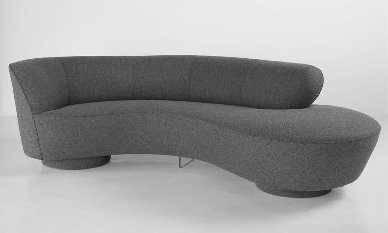 American Serpentine Sofa by Vladimir Kagan, circa 1970 For Sale