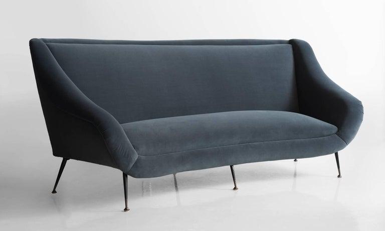 Italian Modern Sofa, circa 1960 In Excellent Condition For Sale In Culver City, CA