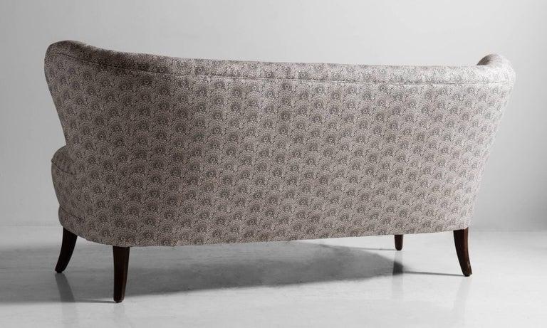 Cocktail Sofa, circa 1950 In Excellent Condition For Sale In Culver City, CA