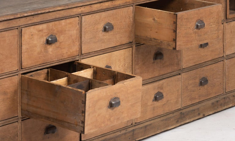Early 20th Century Oak Bank of Drawers, England, circa 1900 For Sale