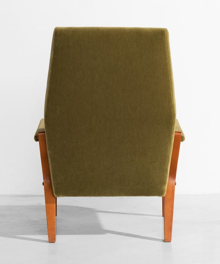 Pair of Mohair Lounge Chairs, circa 1960 In Excellent Condition For Sale In Culver City, CA