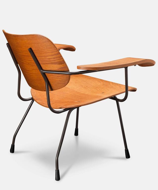 Pair of Tjerk Reijenga Model 8000 Lounge Chairs 4