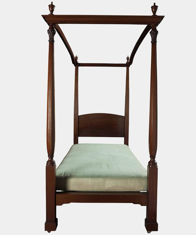Mahogany four poster single bed for sale at 1stdibs for Four poster beds sale