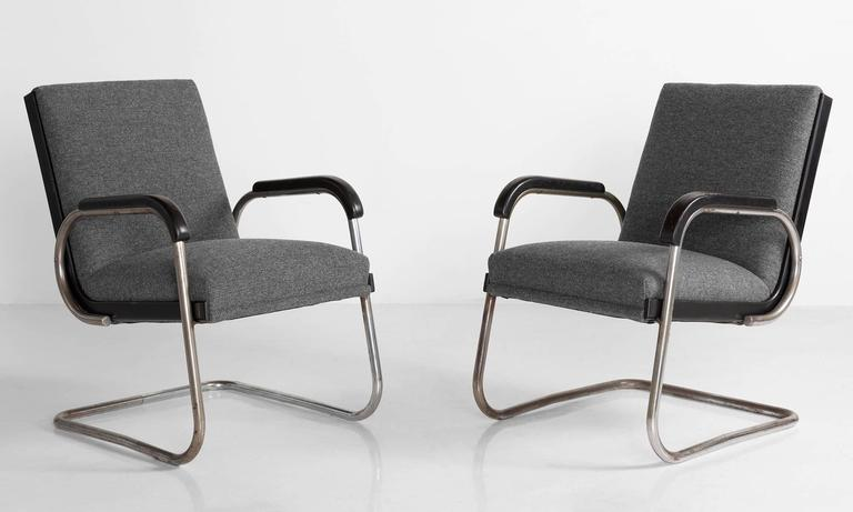Pair of Cantilever Armchairs by Thonet, circa 1930 2