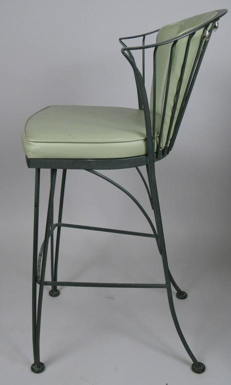 Set of Three Vintage Woodard Pinecrest Barstools In Good Condition For Sale In Hudson, NY