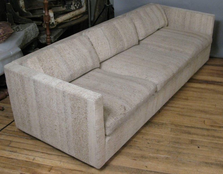 pair of classic modern sofas by knoll for sale at 1stdibs