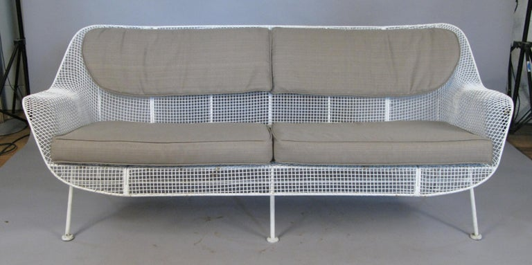 1950s Russell Woodard 'Sculptura' Sofa and Pair of Lounge Chairs In Good Condition For Sale In Hudson, NY