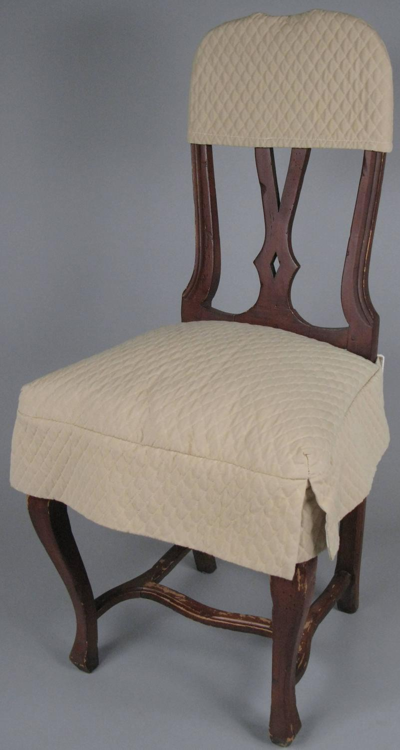 Set of eight swedish style dining chairs with quilted for Swedish style dining chairs