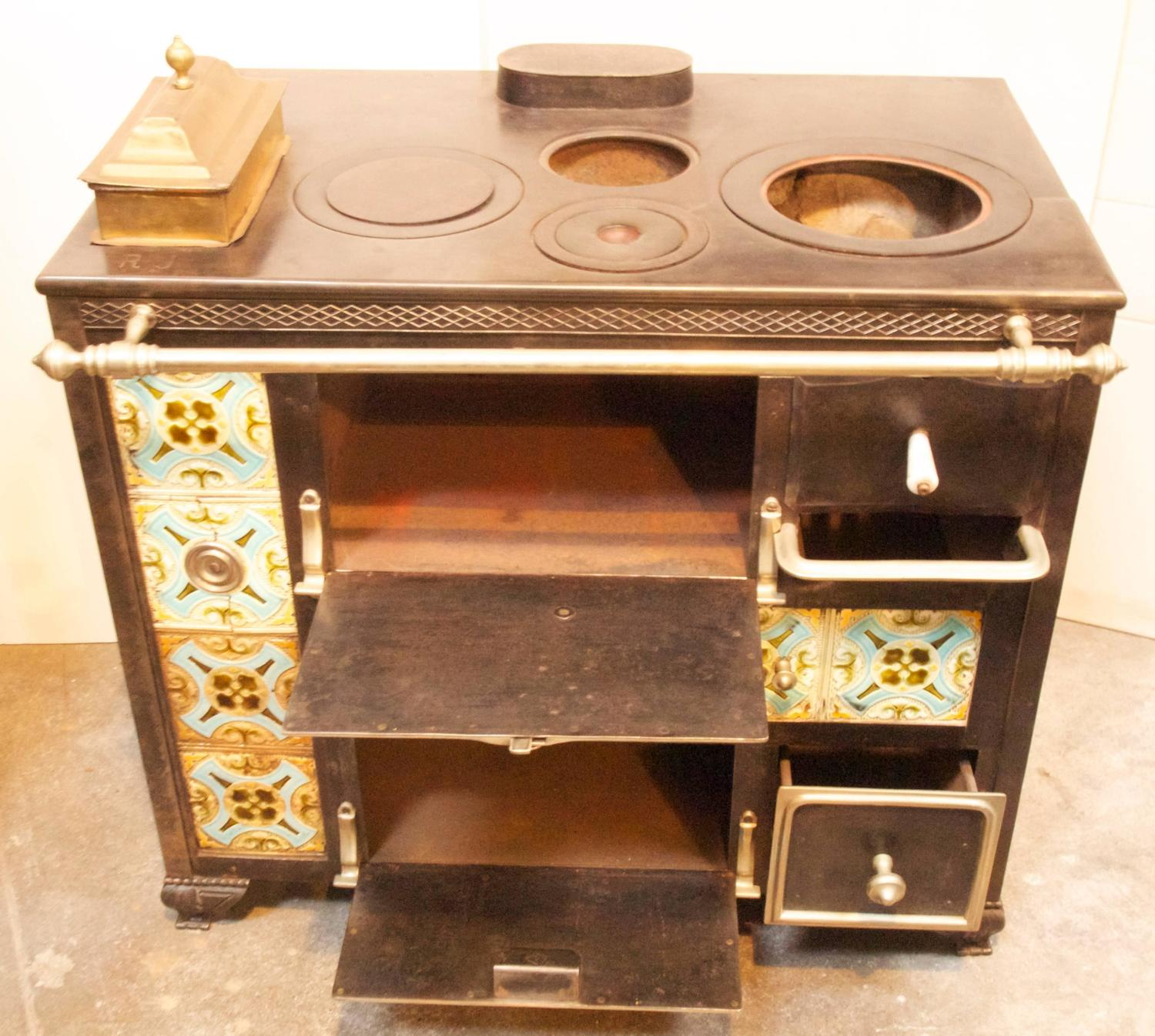 French Kitchen Stove: Early 19th Century French Cooking Stove At 1stdibs