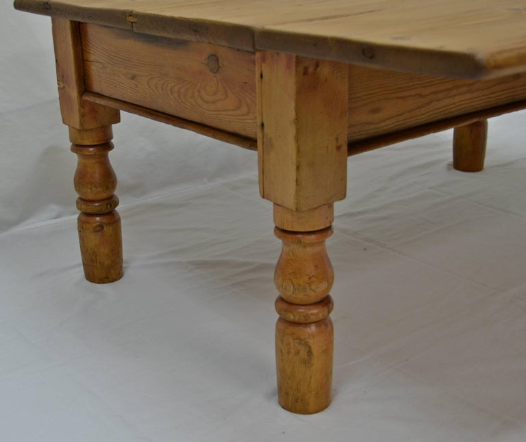 Irish Pine Drop Leaf Coffee Table In Excellent Condition For Kensington Md