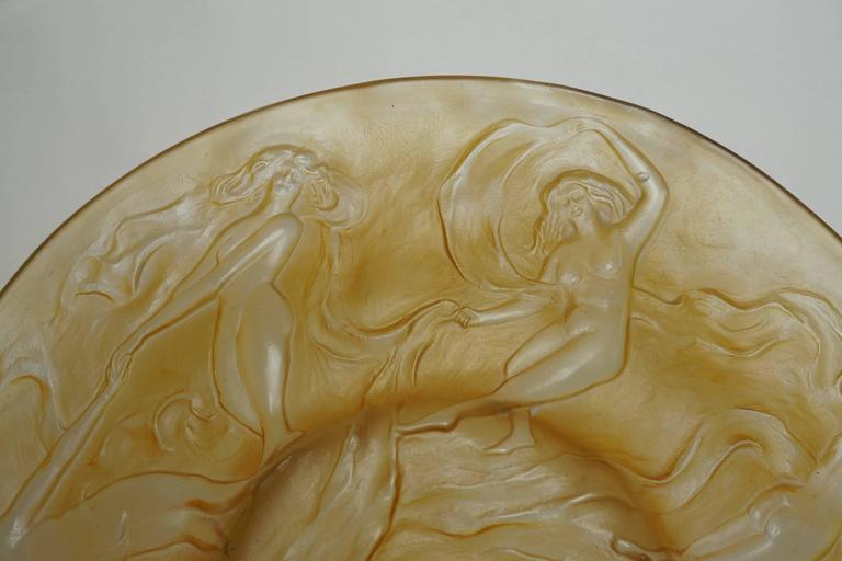 Lalique style round glass centerpiece bowl with raised