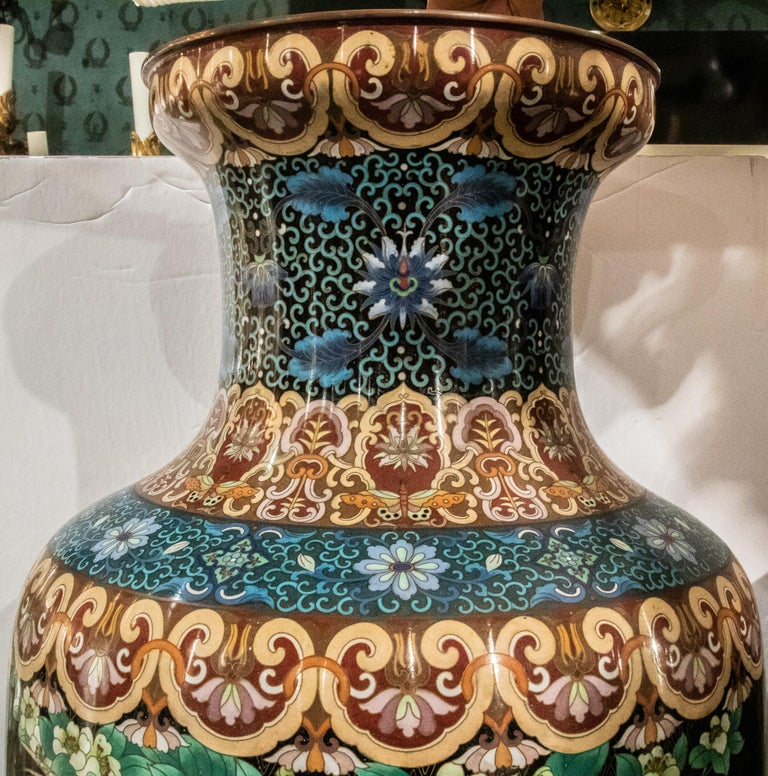 Pair of Large Chinese Cloisonne Enamel  Vases on Stand In Good Condition For Sale In New York, NY
