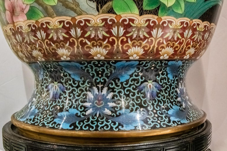Pair of Large Chinese Cloisonne Enamel  Vases on Stand For Sale 7