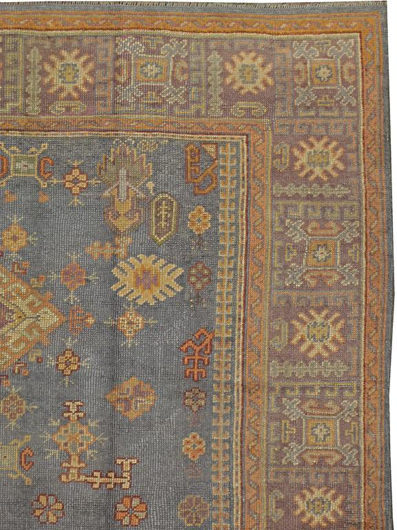 Vintage Turkish Oushak Rug In Good Condition For Sale In New York, NY