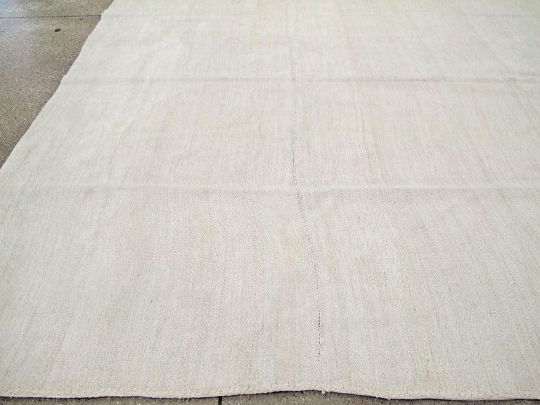 Vintage Turkish Flat-Weave Carpet For Sale 3