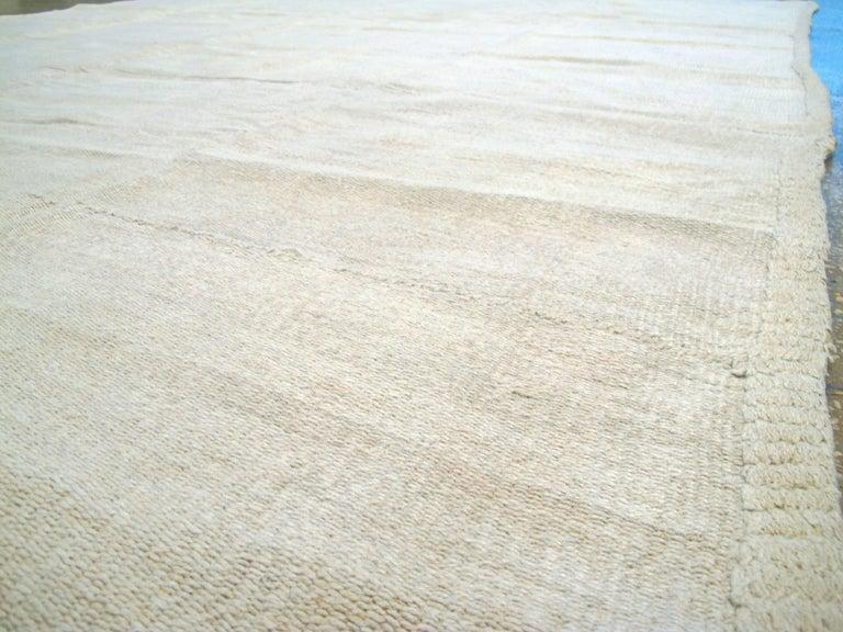 Vintage Turkish Flat-Weave Carpet For Sale 1