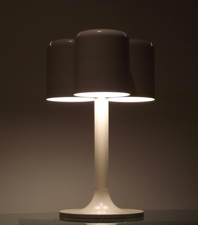 Lacquered 1971 Neal Small Triple Shade Table Lamp in Enameled Metal For Sale