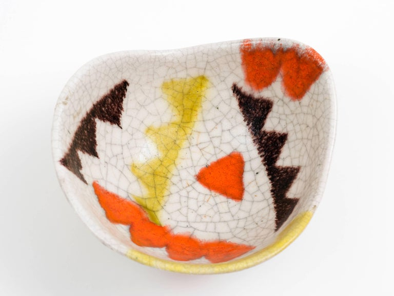 Guido Gambone Free-Form Ceramic Bowl with Tribal Motif, 1950s For Sale 3