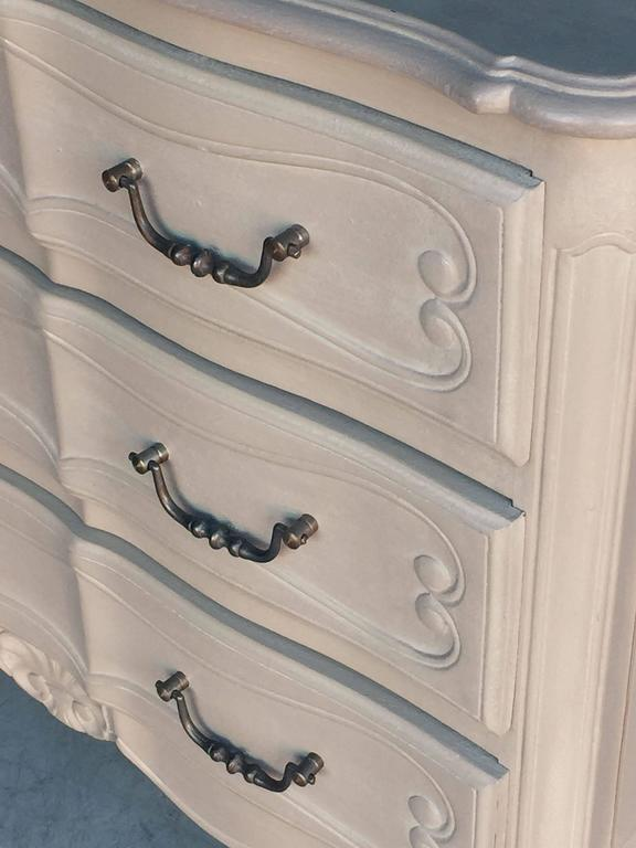 Painted French Chest of Drawers For Sale 4