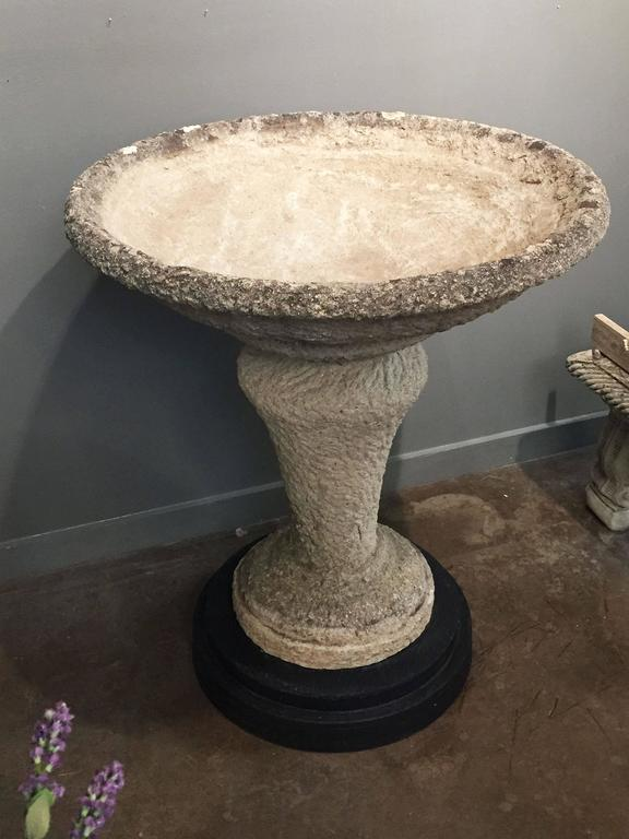 20th Century Large English Decorative Garden Stone Planter on Stand (H 39 3/4) For Sale