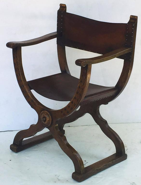 European French Savonarola Armchair with Leather Back and Seat For Sale