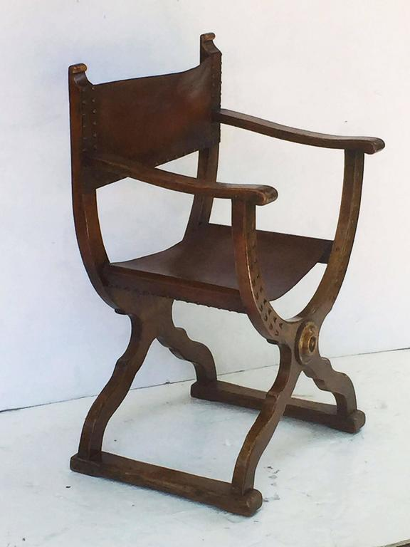French Savonarola Armchair with Leather Back and Seat In Excellent Condition For Sale In Austin, TX