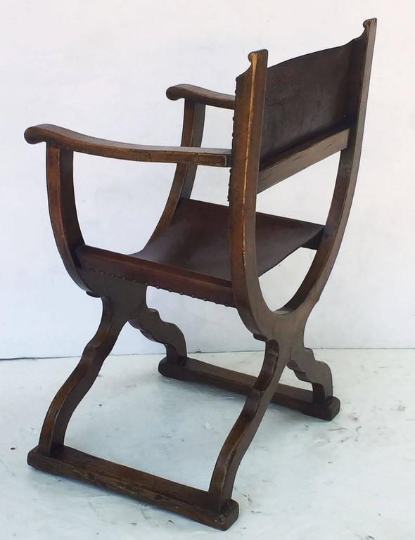 French Savonarola Armchair with Leather Back and Seat For Sale 2