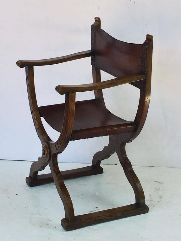 19th Century French Savonarola Armchair with Leather Back and Seat For Sale