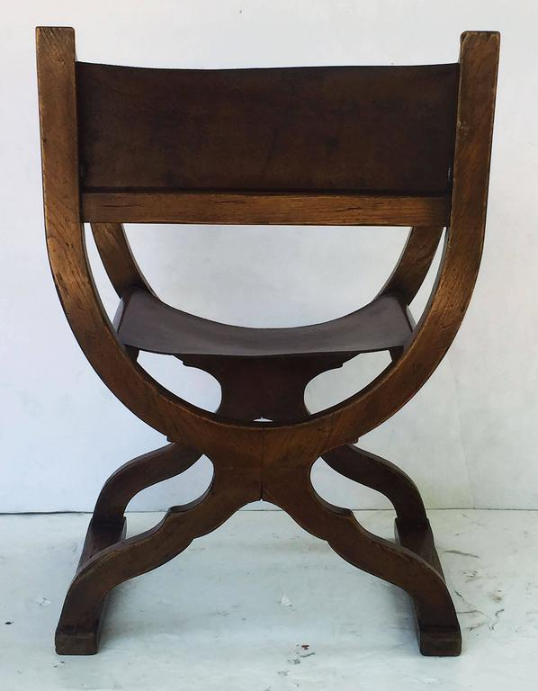 French Savonarola Armchair with Leather Back and Seat For Sale 4