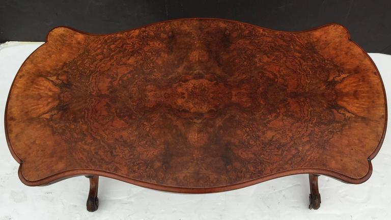 English Library or Sofa Table of Burr Walnut 8