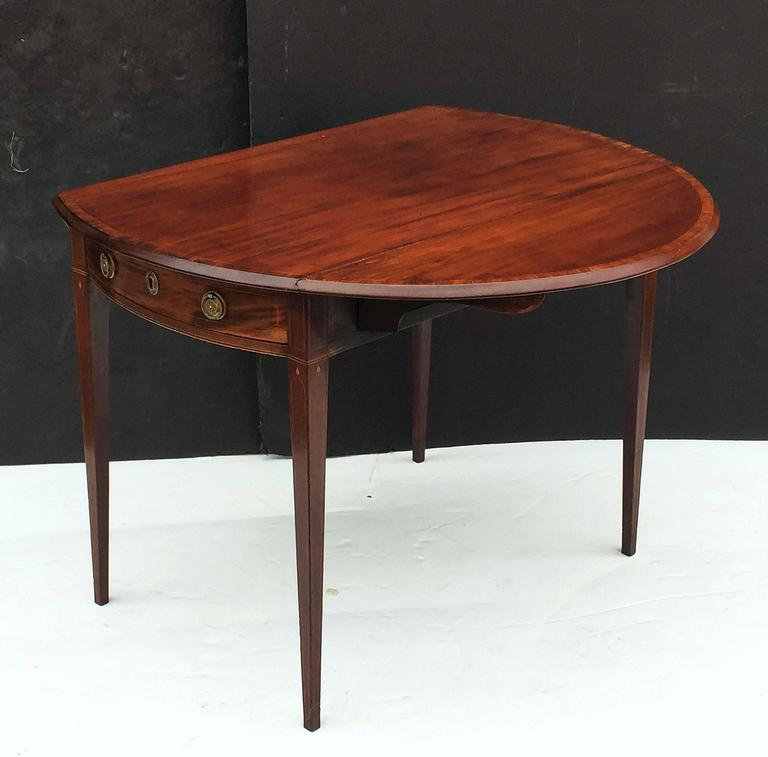 19th Century English Sheraton Pembroke Table of Mahogany For Sale