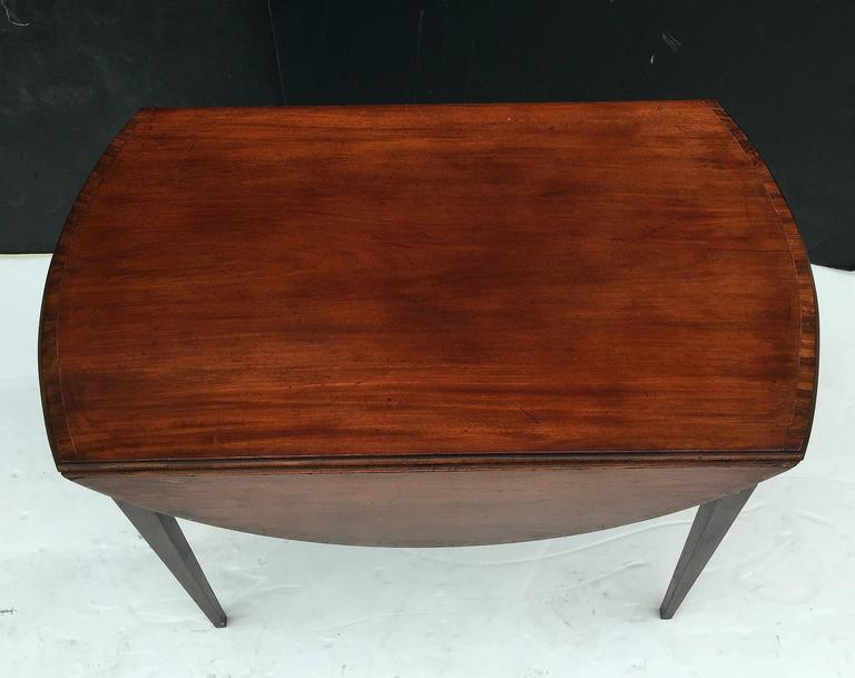 English Sheraton Pembroke Table of Mahogany For Sale 2