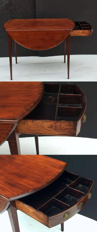 English Sheraton Pembroke Table of Mahogany For Sale 3