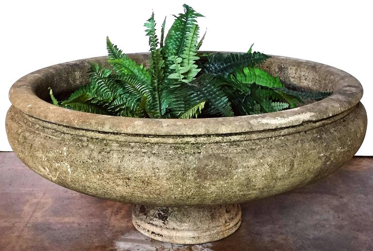 Pair of English Garden Stone Extra Large Round Planters 4