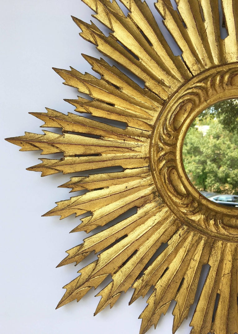 French Gilt Sunburst or Starburst Mirror (Diameter 24) In Excellent Condition For Sale In Austin, TX