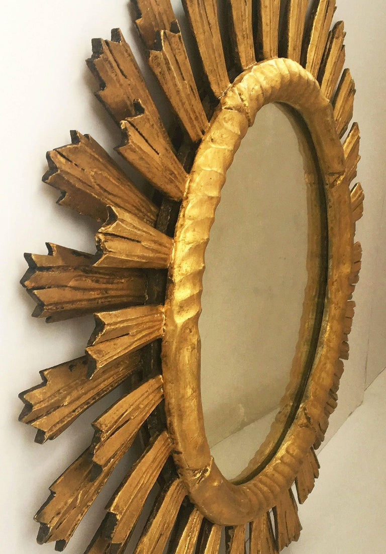 French Gilt Sunburst or Starburst Mirror (Diameter 29) For Sale 4