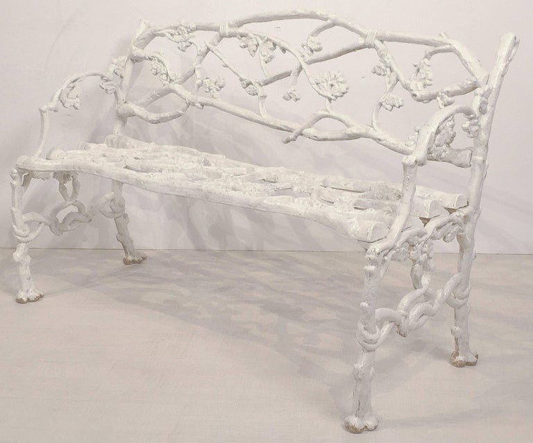 English Garden Bench or Seat of Cast Iron in the Coalbrookdale Style In Good Condition For Sale In Austin, TX