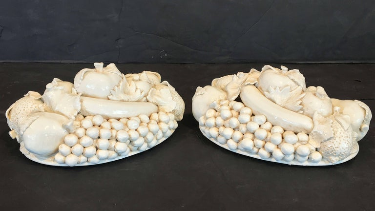 Pair of Italian Fruit Bowls with Lids 6