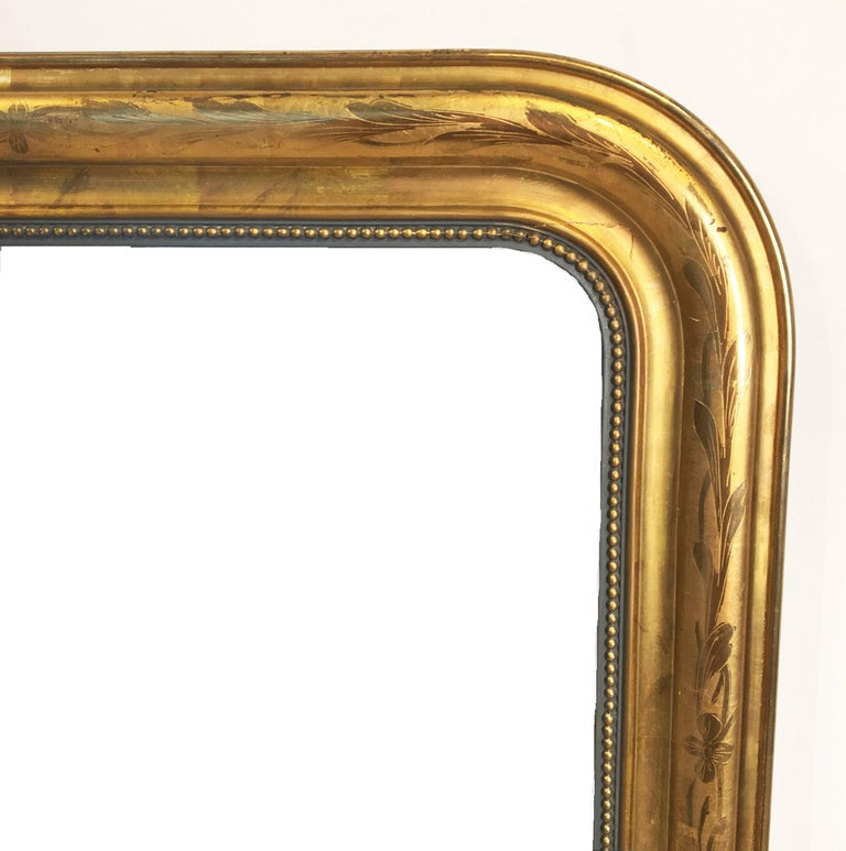 Large Louis Philippe Arch Top Gilt Mirror (H 55 1/4 x W 39 3/4) In Excellent Condition For Sale In Austin, TX