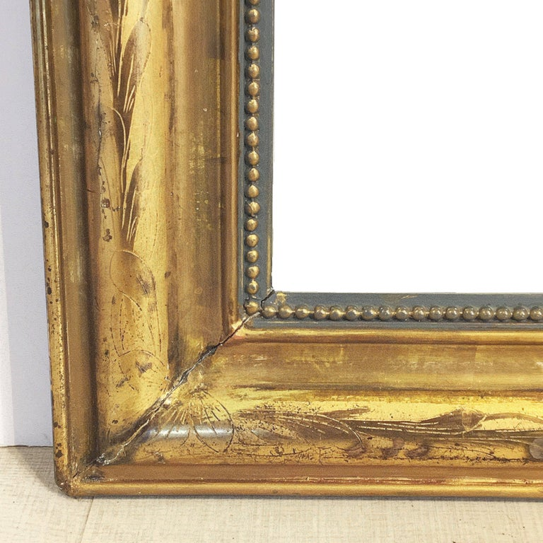 Large Louis Philippe Arch Top Gilt Mirror (H 55 1/4 x W 39 3/4) For Sale 1